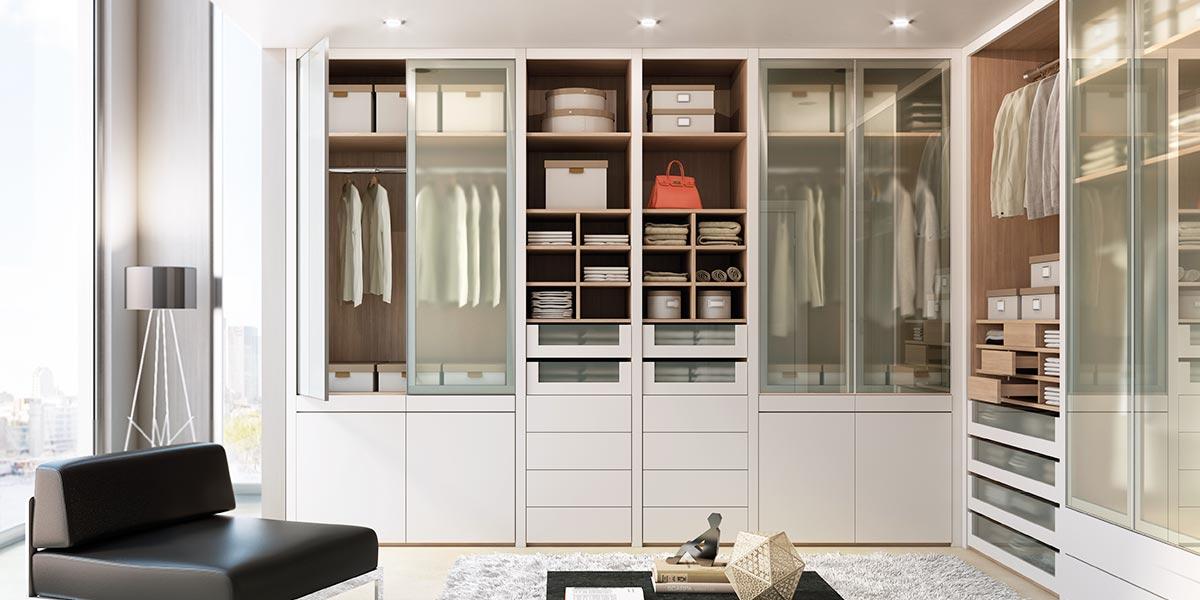 Modern Beige Lacquer Walk-in Wardrobe YG91555