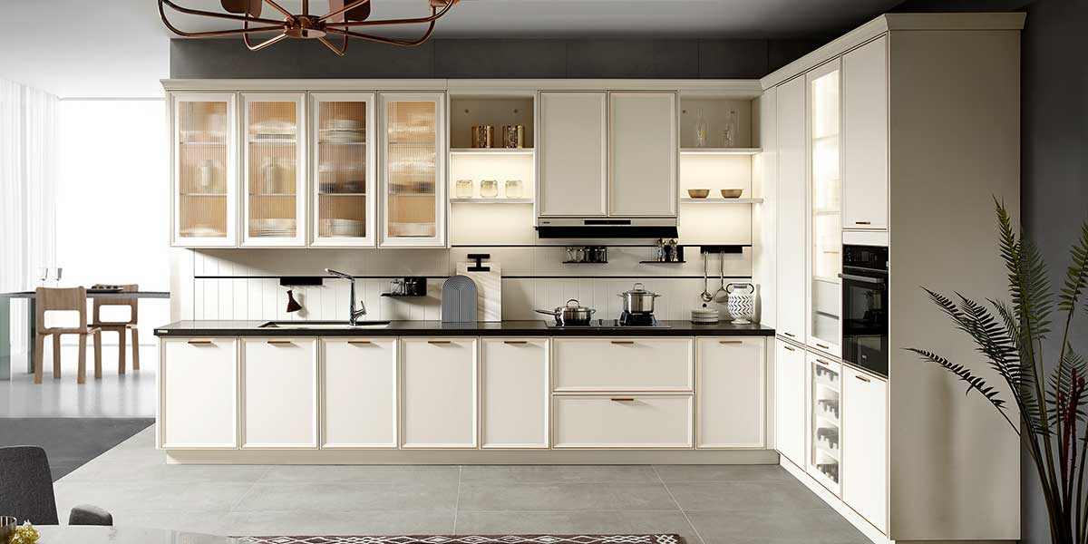 White PVC Shaker Kitchen Cabinet PLCC20101